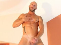 Athletic guy vidz with huge  super cock (Aymeric) !