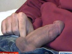 Handsome sexy vidz arab guy  super gets wanked his huge cock by a guy !