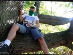 Young Guy vidz Jerking off  super and Cumming in a tree