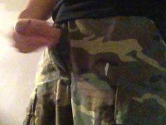 穿迷彩褲打槍 wanking vidz in military  super uniform