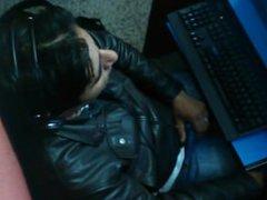Otro sobandose vidz el bulto  super en el ciber