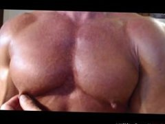 Jack Sargent vidz plays with  super his beefy muscle pecs at JockMenLive.com
