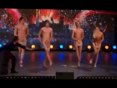 Cute guys vidz perform naked  super on stage