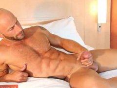 The male's vidz huge cock  super !