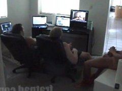 THREE GUYS vidz JERK OFF