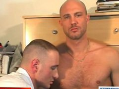 Full video: vidz Straight guy  super (david) gets sucked by a guy in spite of him !