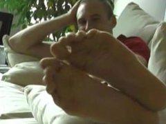 brad feet vidz 2