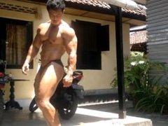 Indonesia Bali vidz Bodybuilder Sexy  super Muscle Pose