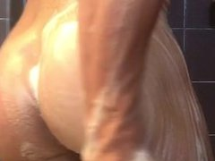 Super Hung vidz exhibitionist Muscle  super Jock soaps up in shower