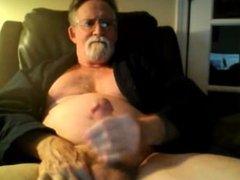 Mature guy vidz unloading