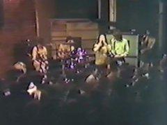 Henry orgasme vidz op het  super podium Rock and Roll Erotic kampioen!