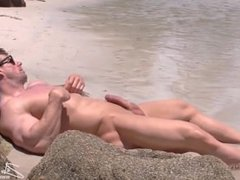 Zeb AtlasIn: vidz The Beach