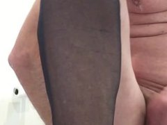 Fingering my vidz ass, wanking  super and summing