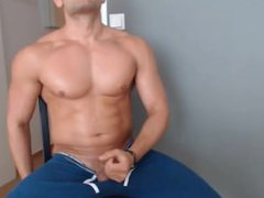 muscle jerk vidz and cums