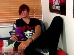 Young gay vidz emos fucking  super Stroking his dick and fingering his scorching