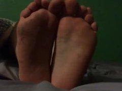 Male Dirty vidz Soles In  super Bed