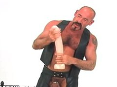 mature guy vidz BIG dildo  super play