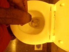 Jerking off vidz and cumming  super in a toilet at the Mumbai airport