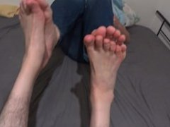 best friends vidz playing footsies  super soles to soles