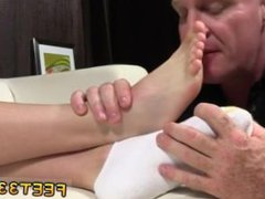 Young gay vidz twink toe  super sucked rimmed fisted then fucked Daddy Dev Worships