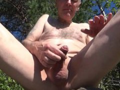 Grandpa wanking, vidz peeing and  super sucking outdoor!