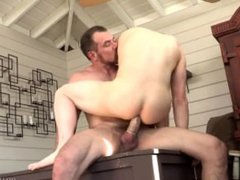 Young Twink vidz Bangs His  super Dads Best Friend in Hot Tub