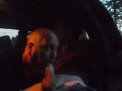 Older Gives vidz Younger Blowjob  super in Car