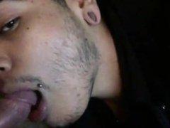 Deepthroating white vidz cock