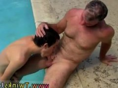 Hot gay vidz twink shaved  super head Daddy Brett obliges of course, after sharing