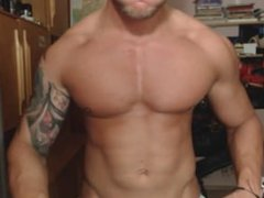 Sexy Teen vidz Bodybuilder flexing