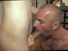 Young Big vidz White Dick  super Sucking. He's a horse !!!!!!