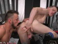 Fisting old vidz gay Aiden  super Woods is on his back and screams to Axel Abysse,