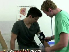 Muscle men vidz gay porn  super game I lowered the exam table and took his prick into