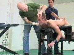 A journalist vidz fucked and  super tortured in a BDSM movie studio