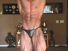 Bodybuilder Posing vidz before show