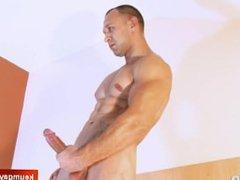 A innocent vidz neighbour serviced  super his big cock by a guy!