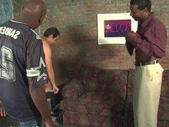 Hung black vidz men sharing  super the ass of an amateur guy