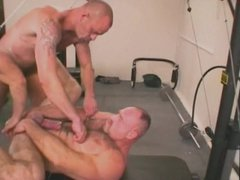 MUSCLEDAD GETS vidz HIS MANKUNT  super USED AND ABUSED