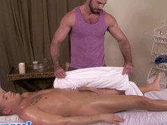 Romantic mature vidz masseur jerking  super cock
