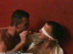 Hunk gives vidz sausages for  super breakfast