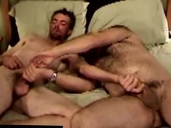 Mature duo vidz in bed  super tugging together