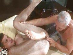 dad helps vidz a boy  super out