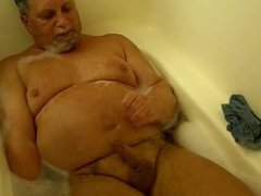 man in vidz a solo  super scene in the bath