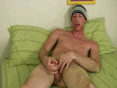 Jack Brave vidz jerks off  super his 8inch cock