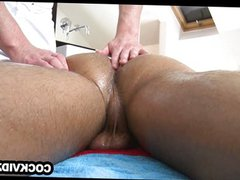 Tanned stud vidz enjoys some  super oiled up butt play