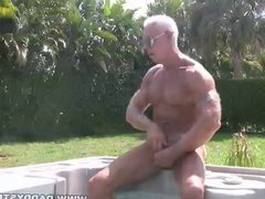 Muscle Daddy vidz Jerking In  super Hot Tub
