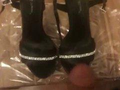 Cum on vidz shoes -  super shoe tribute - turkish girl