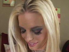 Blonde hottie vidz in DP  super action