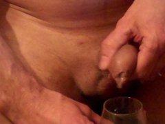 big load vidz ins glas,  super cum in drinking-glass