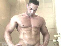 Shower muscle vidz hunks